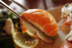 El salmón es fuente natural de ácidos grasos omega 3
