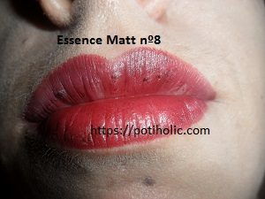 essence matt lipstick nº8 con flash