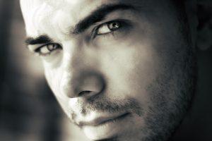 el acido hialuronico es un activo cosmetico eficaz para hombres y para mujeres