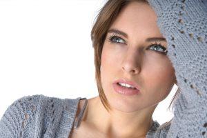 la exfiliación facial permite lucir un cutis más luminoso