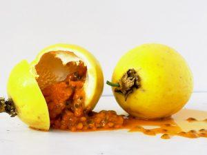de las semillas del maracuyá o fruta de la pasión se extrae un aceite muy interesante